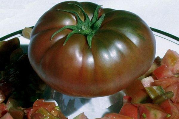Темный помидор