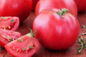 Описание универсального сорта томата Симпатяга и выращивание помидоров