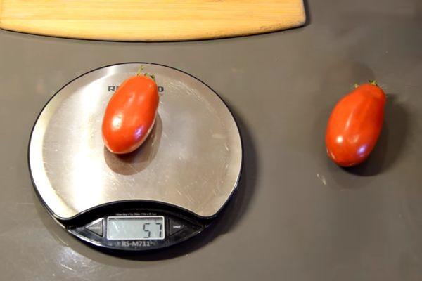 Взвешивание томата