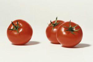 Описание сорта томата Интуиция, особенности выращивания и урожайность