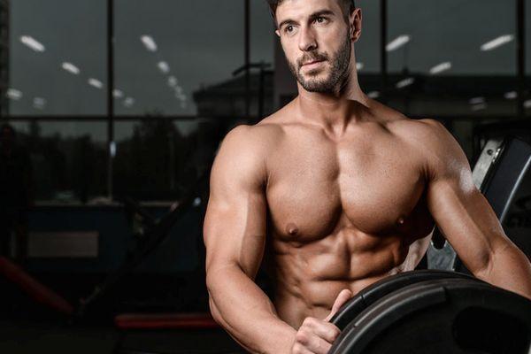 мужчина спортсмен