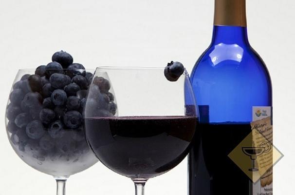 вино из голубики в бутылке