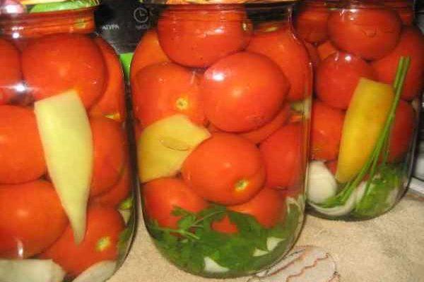 маринованные помидоры с перцем и зеленью