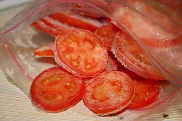 томат замороженный кусочками в пакете