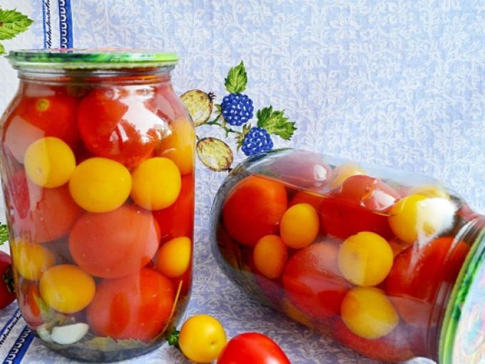 помидоры и сливы