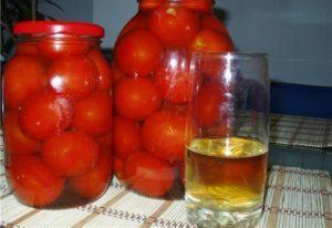 Рецепты маринованных помидоров в яблочном соку на зиму «пальчики оближешь»