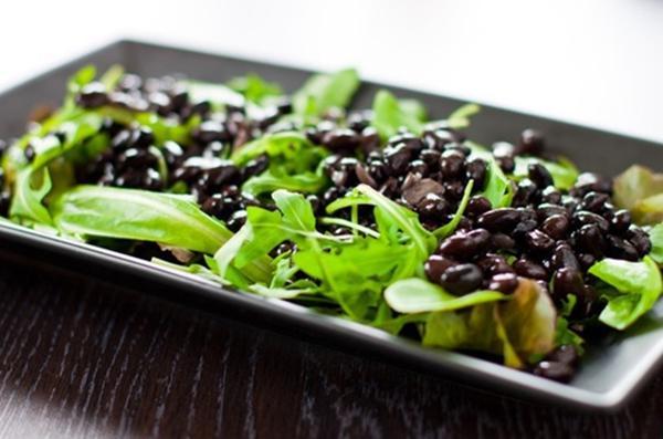 Салат из черной фасоли