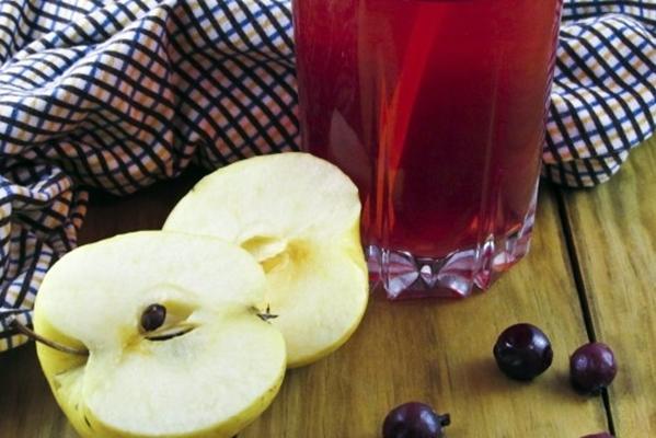 яблоки и смородиновый сок