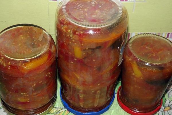 лечо из баклажан с томатной пастой