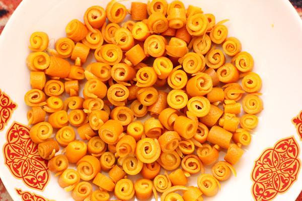 красивый вид цукатов из апельсина
