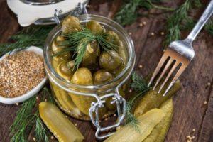 Рецепты маринованных огурцов в горчичном соусе (заливке) на зиму и сроки хранения заготовок