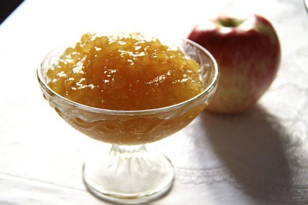 джем из яблок в миске