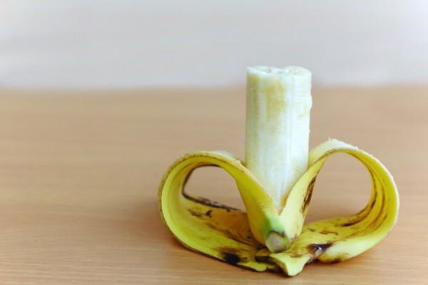 очищенный банан