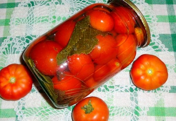 помидоры с медом в литровой банке