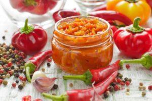 ТОП 10 рецептов аджики из помидор «Заманиха» на зиму, хранение заготовок