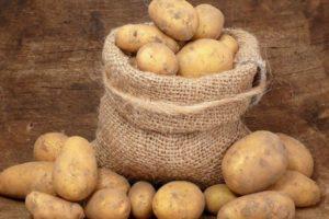 Как правильно хранить картошку в квартире или погребе в домашних условиях