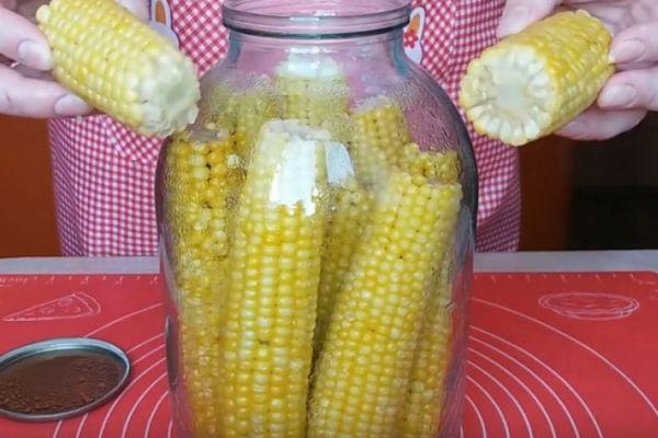 Кукуруза в банке
