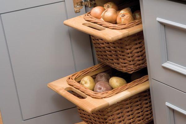 Овощи в шкафчиках