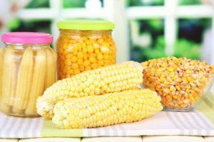 Как консервировать кукурузу зернами и початками в банках в домашних условиях на зиму