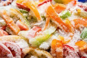 Как лучше заморозить болгарский перец в морозилке на зиму в домашних условиях, сроки хранения