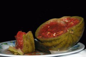 Как правильно засолить арбузы целиком и частями в бочке на зиму, бабушкин рецепт