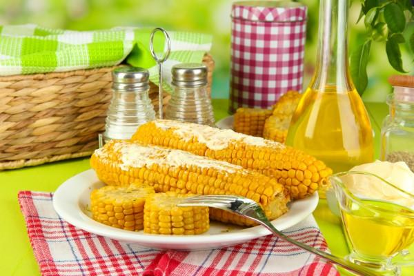 кукуруза на столе