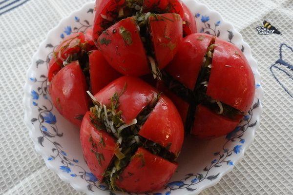 томаты с базиликом