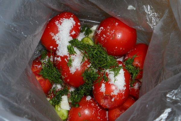 помидоры к засолке