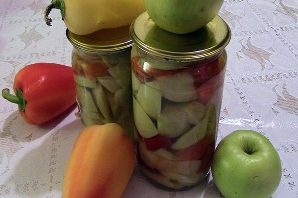 яблоки с перцем в банке