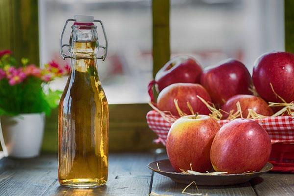 яблочный уксус в бутылке