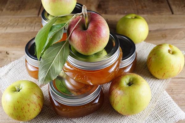 Повидло из яблок в маленьких баночках