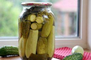 Самые вкусные рецепты маринованных огурцов с кабачками в одной банке на зиму