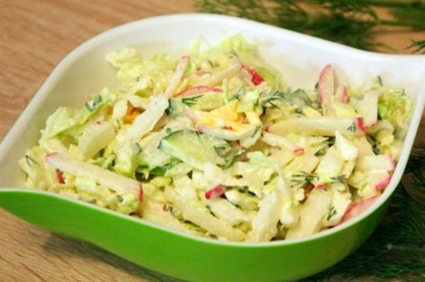 салат из красной редьки и рисом