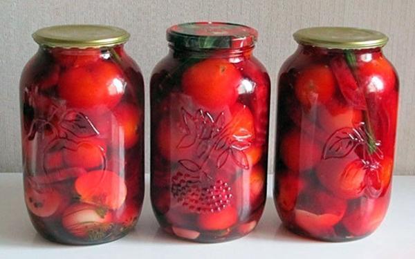 помидоры со свеклой и яблоками