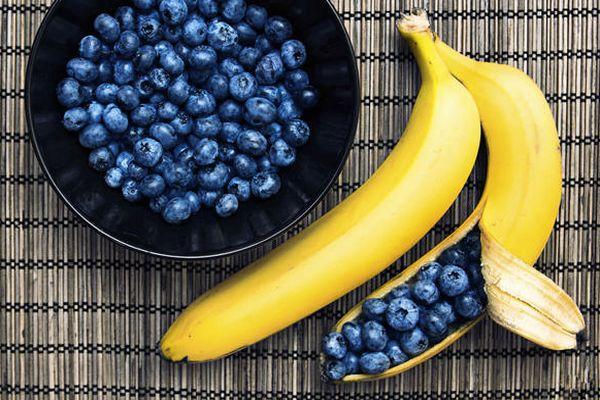 черника и банан