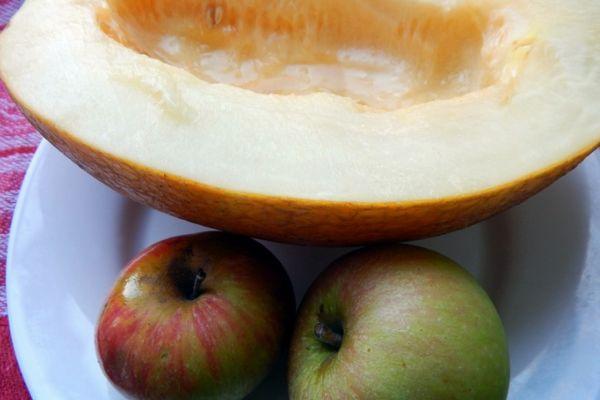 Дыня с яблоками