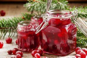 Простые рецепты приготовления варенья из клюквы на зиму