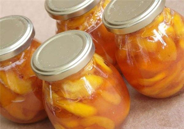персик и апельсин в банке