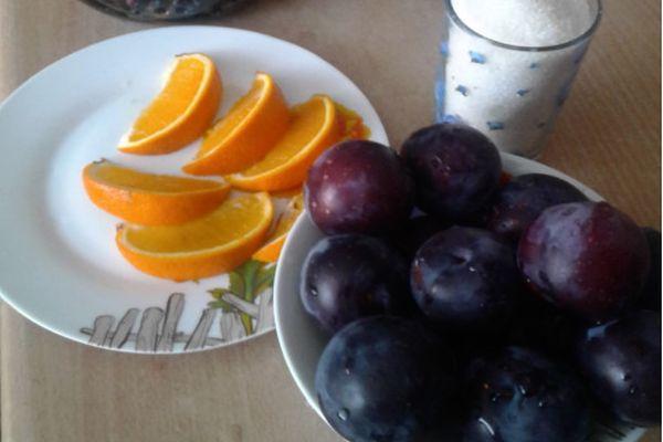 Апельсины и слива