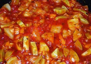 Простые рецепты консервирования кабачков на зиму с томатной пастой и чесноком