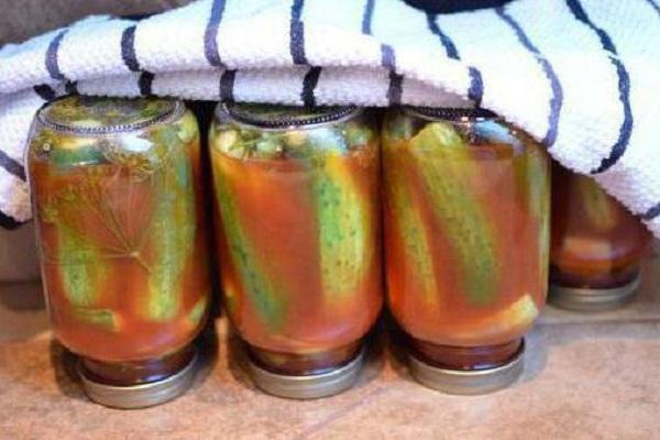 огурцы в томате накрытые