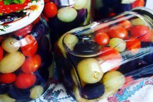 Лучшие рецепты маринованных помидоров с виноградом на зиму в домашних условиях