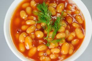 Простые рецепты приготовления фасоли в томатном соусе на зиму как в магазине и правила хранения