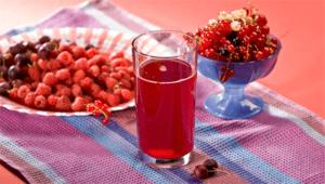 Простые рецепты, как сварить компот из крыжовника и красной и черной смородины на зиму