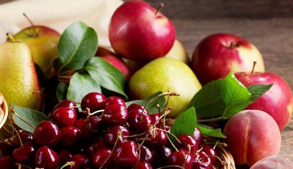 яблоки и вишни