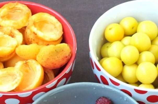 алыча и абрикос
