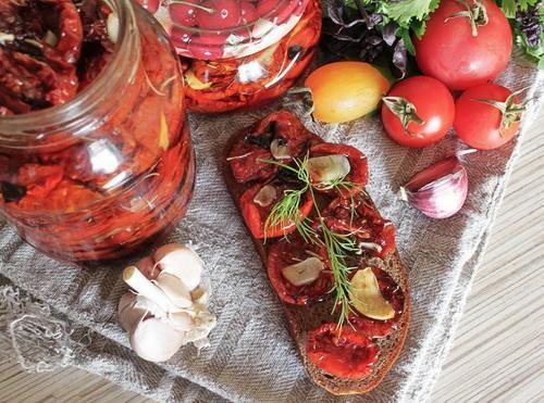 вяленные помидоры
