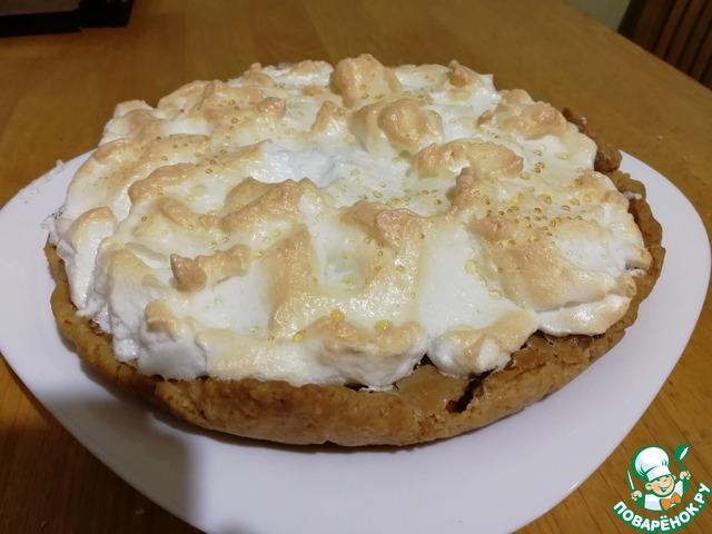 Карамельно-сливочный грушевый пирог с безе