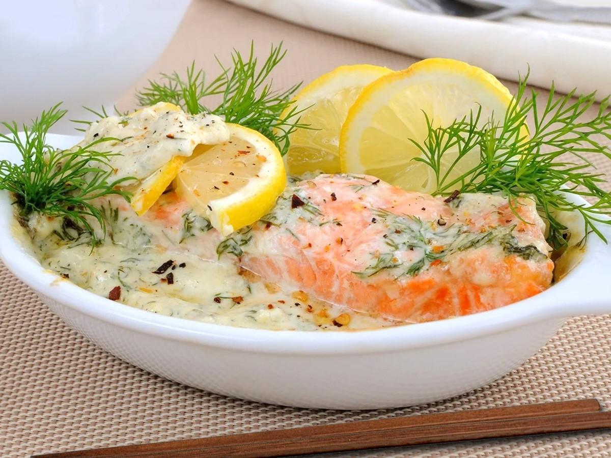 Красная рыба в сливочном соусе