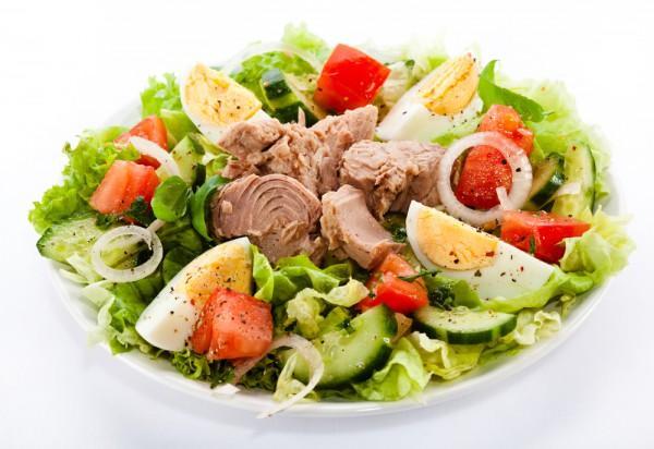 С тунцом и овощами